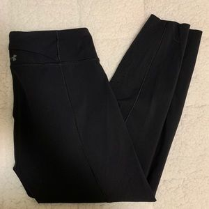 Under armour cropped black leggings